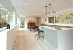 norvegia-una-casa-moderna-immersa-nel-verde-dining_oggetto_editoriale_h495