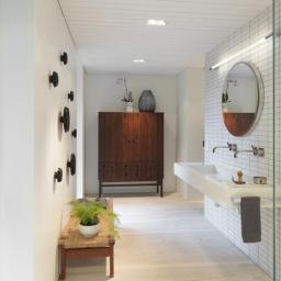 norvegia-una-casa-moderna-immersa-nel-verde-stanza-da-bagno_oggetto_editoriale_h495